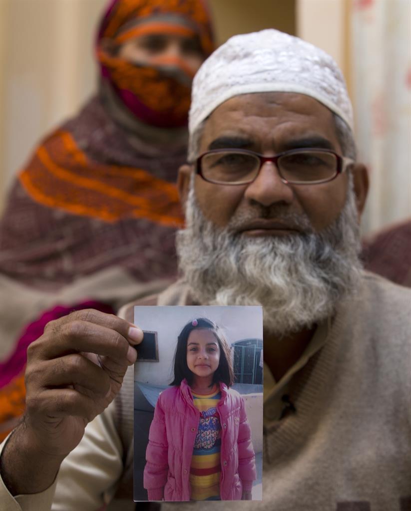 Pakistan executes man convicted of killing 8 children   AM