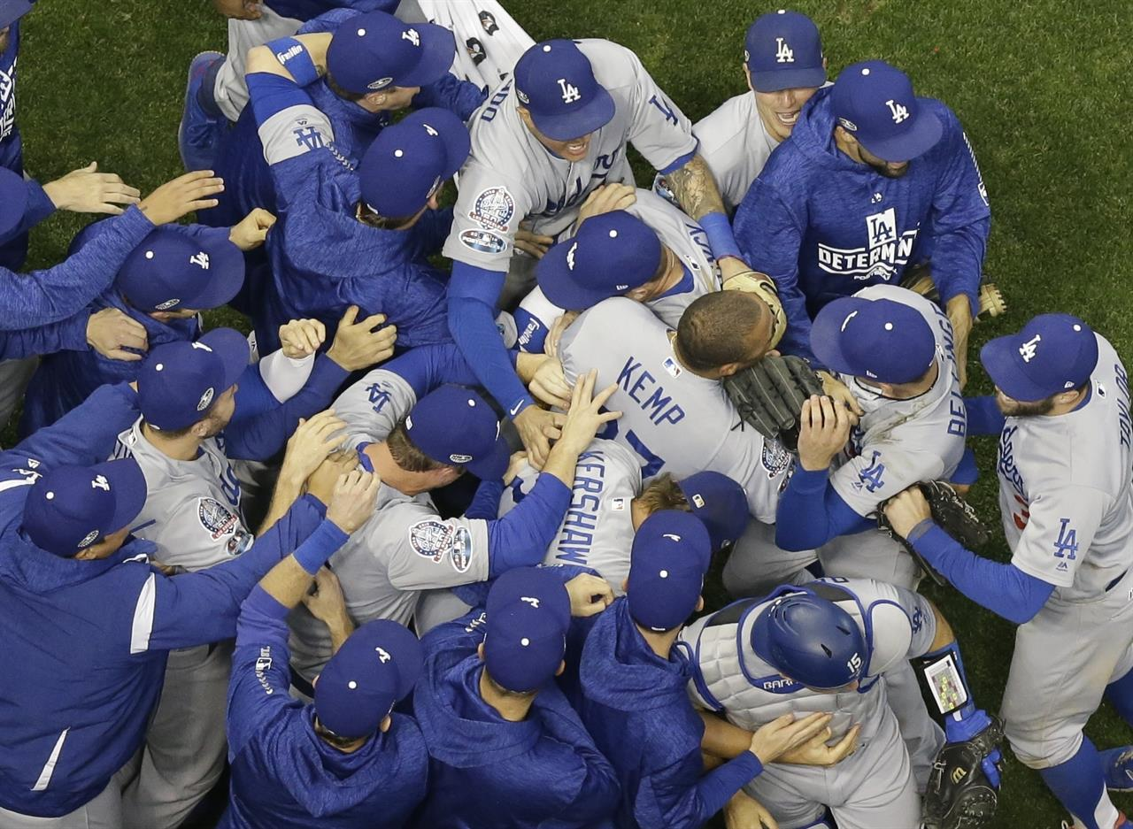 Red Sox favored slightly over Dodgers in World Series   The