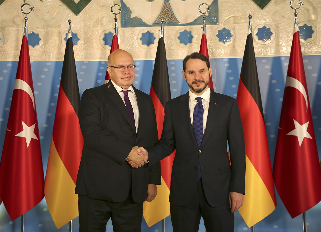 German economy minister visits Turkey to expand trade ties ...