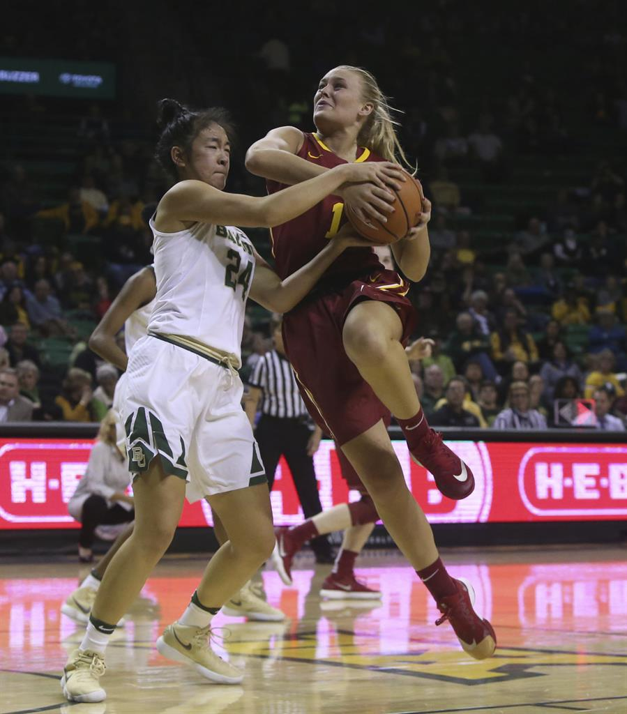 No  6 Baylor women 10 in row with 89-49 win over Iowa State