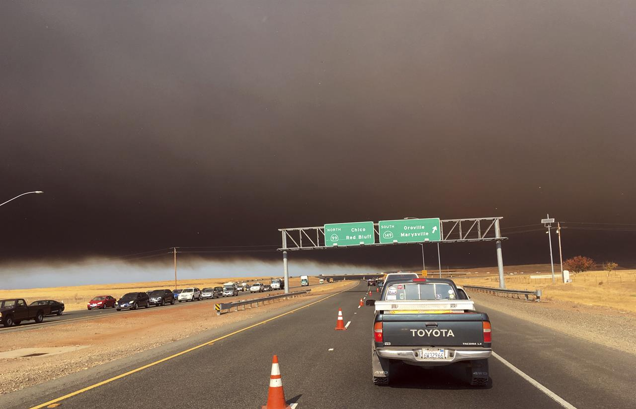 Wildfire devastates California town of Paradise   AM 1460