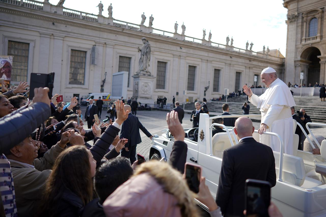 Pope taps experts, US cardinal to help prep for abuse ...