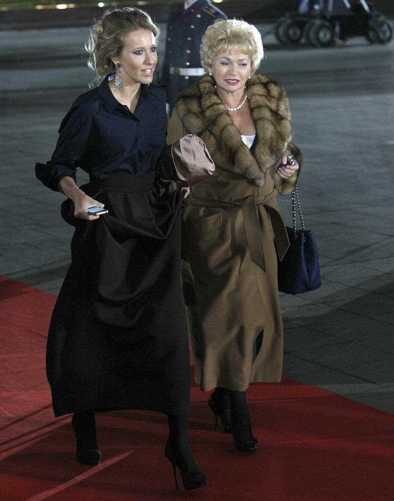 Ksenia Sobchak spoiled her own mothers career 12.03.2011