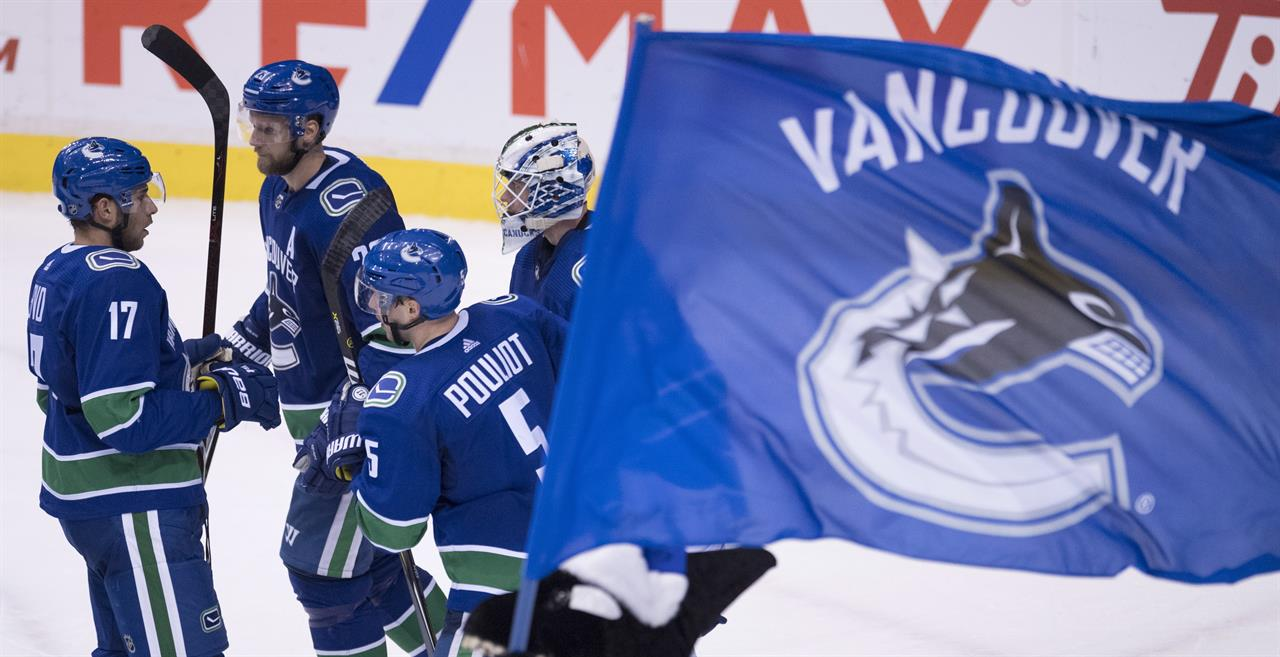 Horvat Canucks Beat Blues 5 1 The Answer 94 5 Fm Greenville Sc