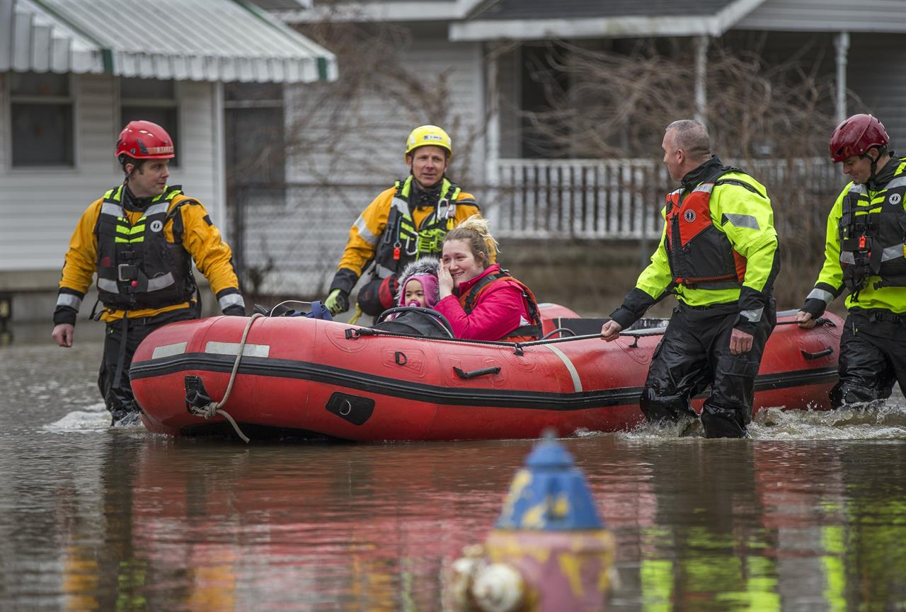 Shelters open amid midwest flooding as rivers keep rising for Laporte county state of emergency