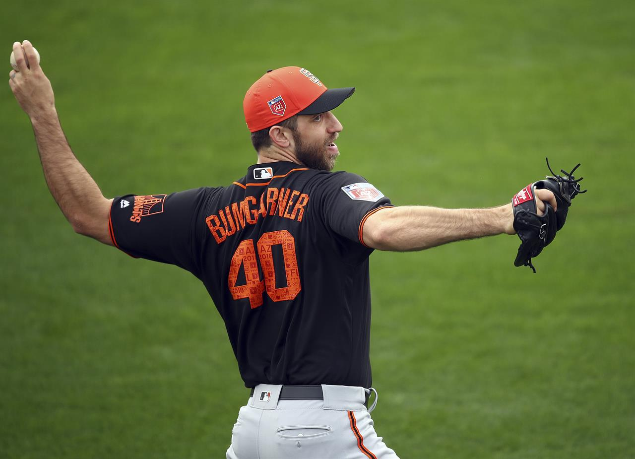 dc96bfd6 Bumgarner breaks pitching hand when hit by line drive   AM 1380 The ...