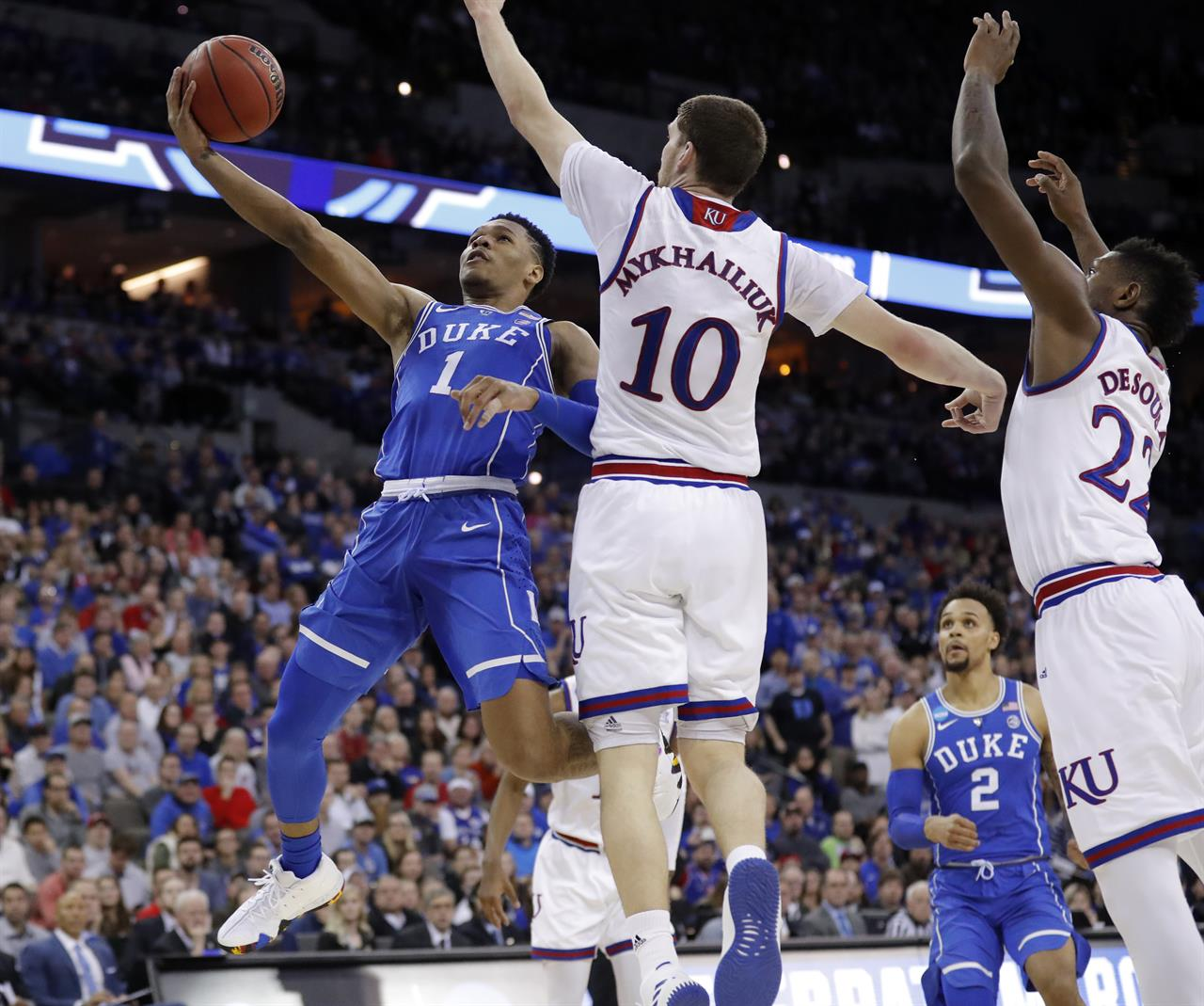 a3882bc28 ... NCAA Latest  Kansas gets past Duke in OT classic for Final 4 ...