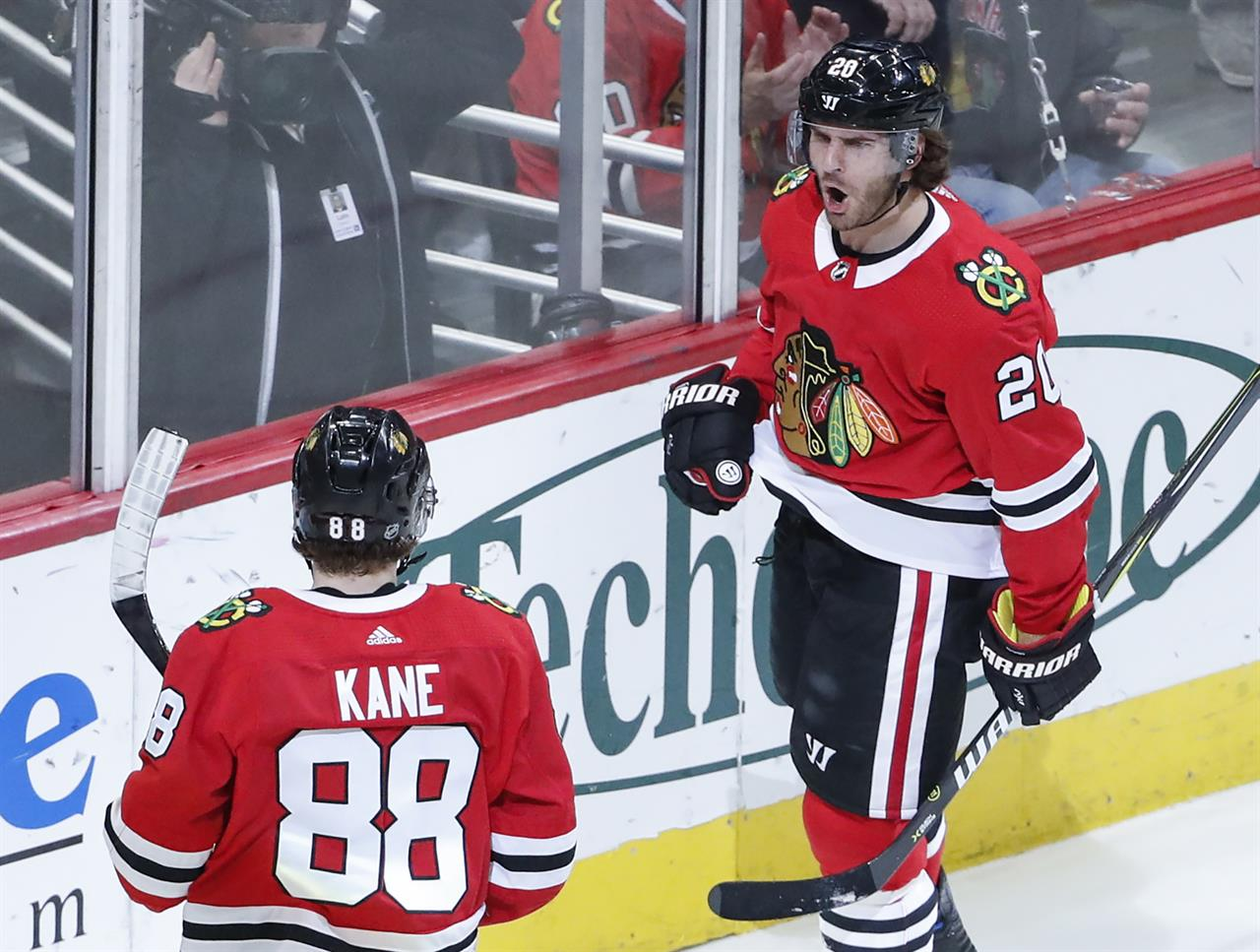 Accountant Turned Goalie Helps Blackhawks Beat Jets Am 1420 The