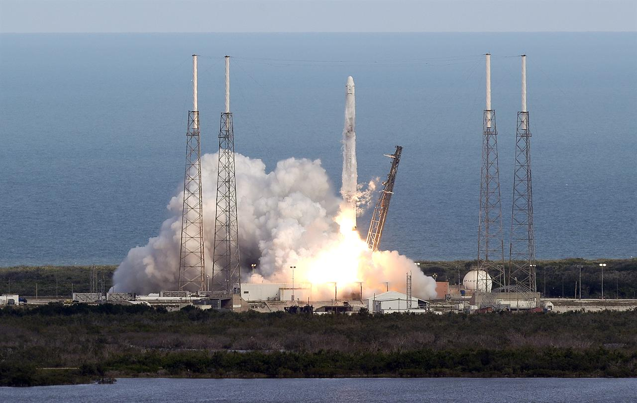 SpaceX launches used supply ship on used rocket for NASA ...