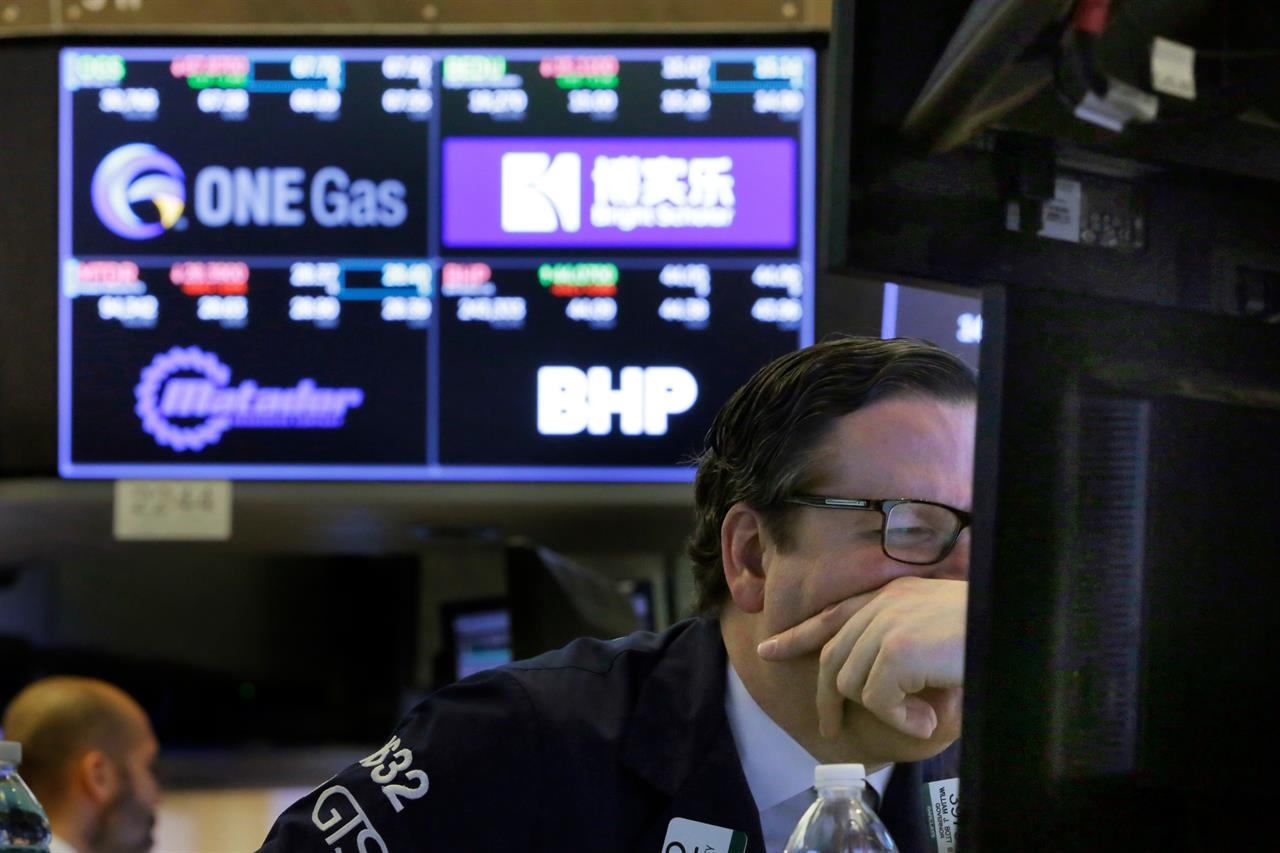 Stocks dive as US proposes more China tariffs