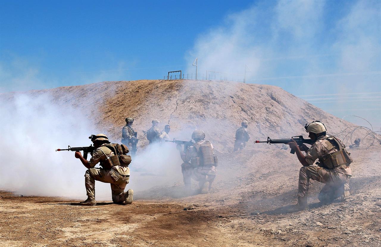 Iraqi war games: Army trains in desert, defeats 'militants' | AM