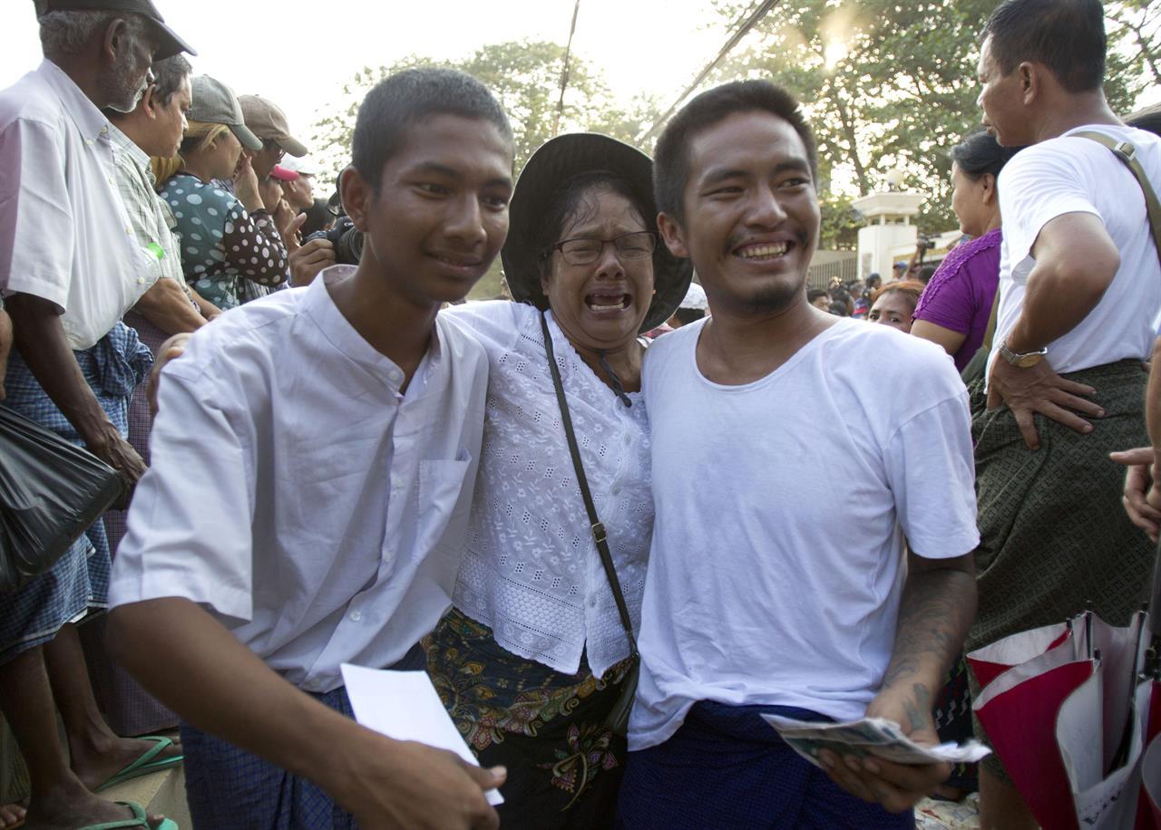 Myanmar leader pardons 9,500 prisoners but not 2 reporters