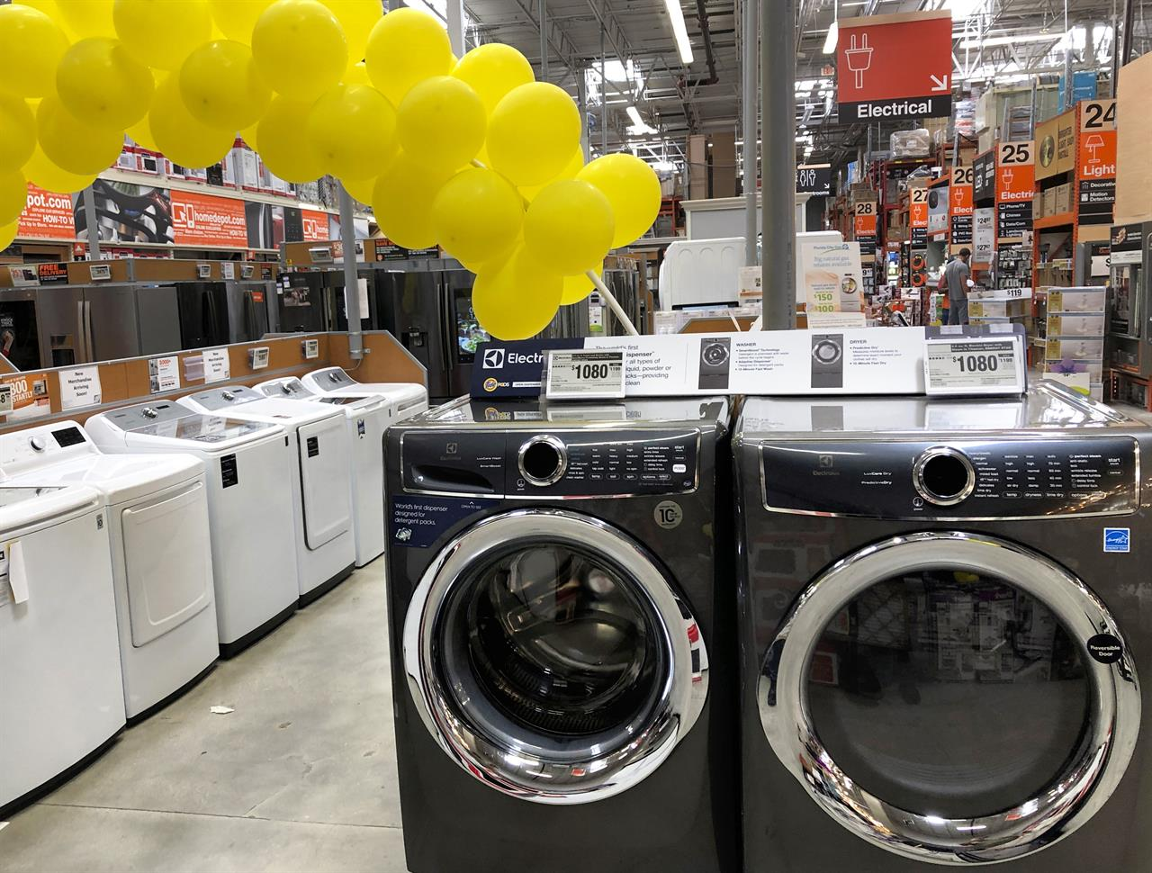 US durable goods orders up solid 2.7% in March