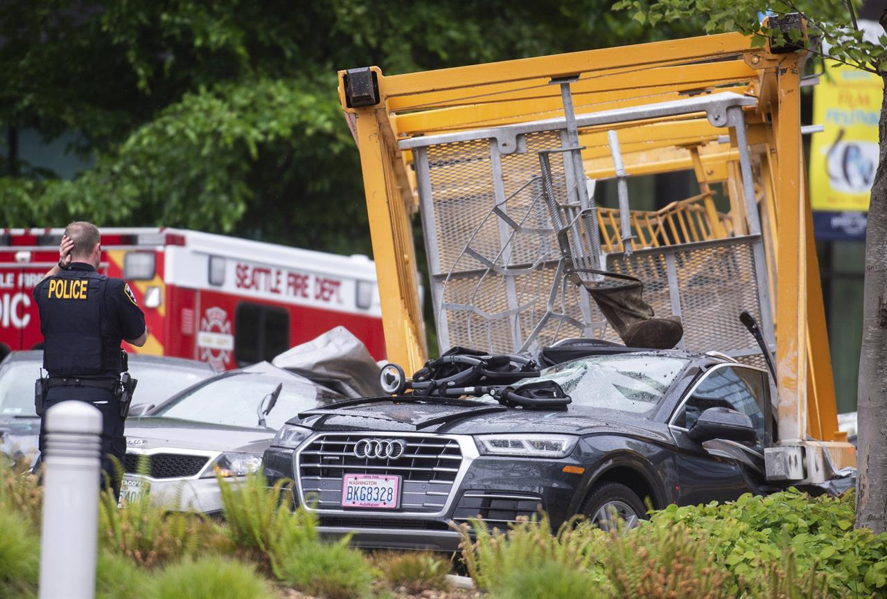 Latest: Governor offers condolences in fatal crane collapse | AM