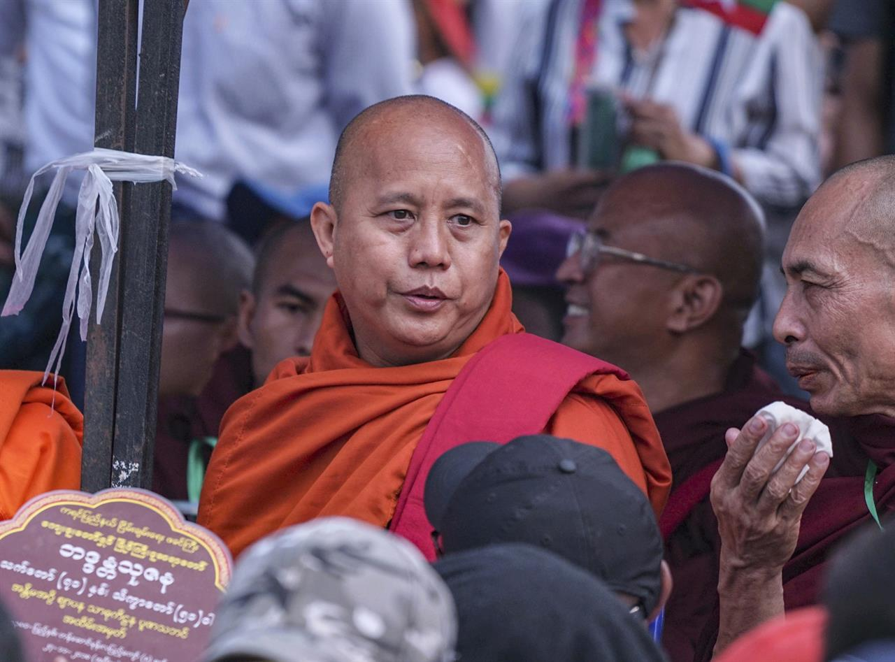 Meditating Buddhist monk, Khon Phapheng Waterfall