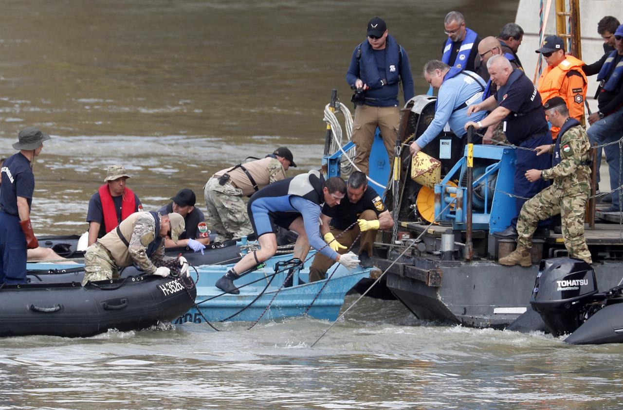 Death toll in Danube sunken tour boat accident rises to 11 | AM 1590
