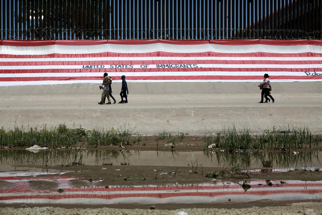 US-Mexico deal offers few new solutions, political victory | AM