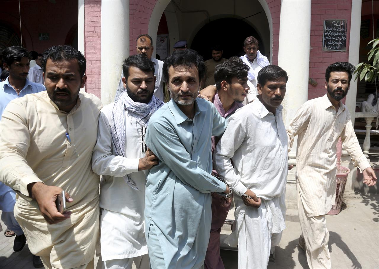 Pakistani police target traffickers selling brides to China | 1520