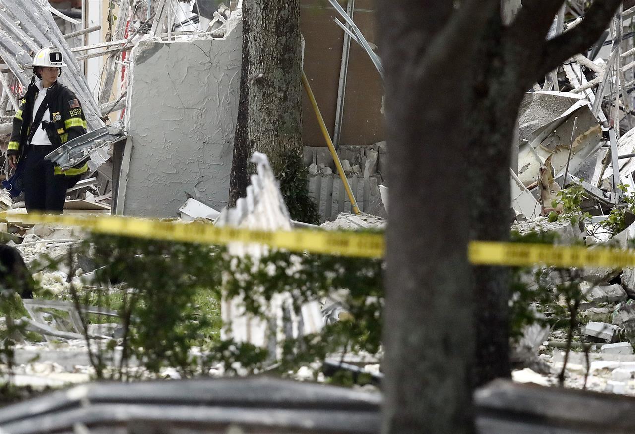 21 Hurt In Shopping Plaza Blast Gas Lines Found Ruptured