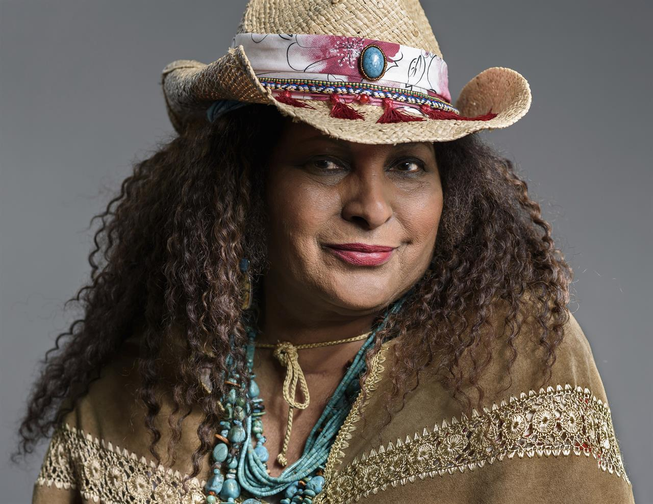 As Pam Grier celebrates 70, she finds peace off the grid | The ...