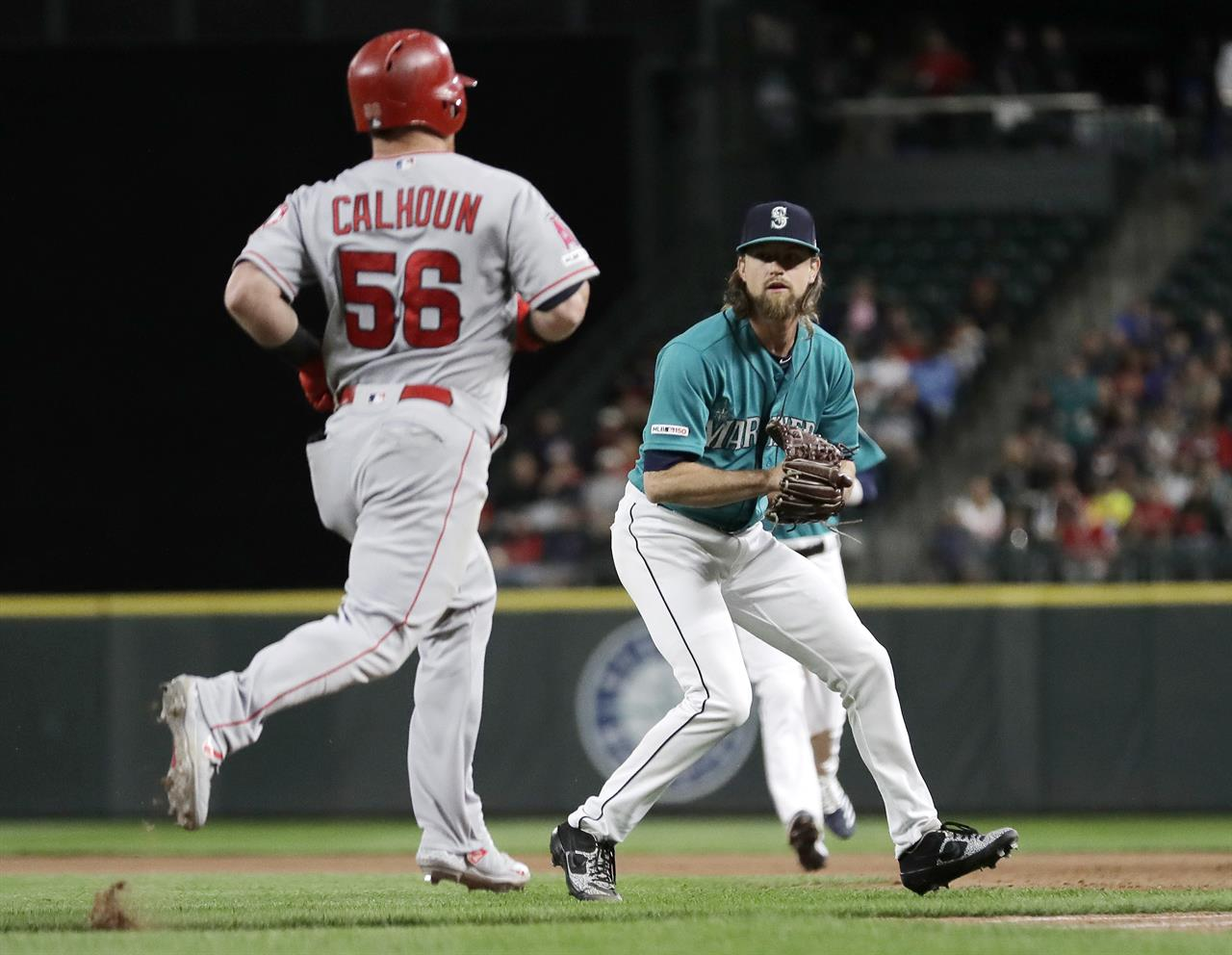 Mariners' Leake lose perfect game try in 9th, blanks Angels | AM 970