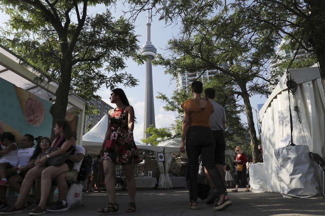 AP PHOTOS: Toronto festival highlights Iranian culture, food