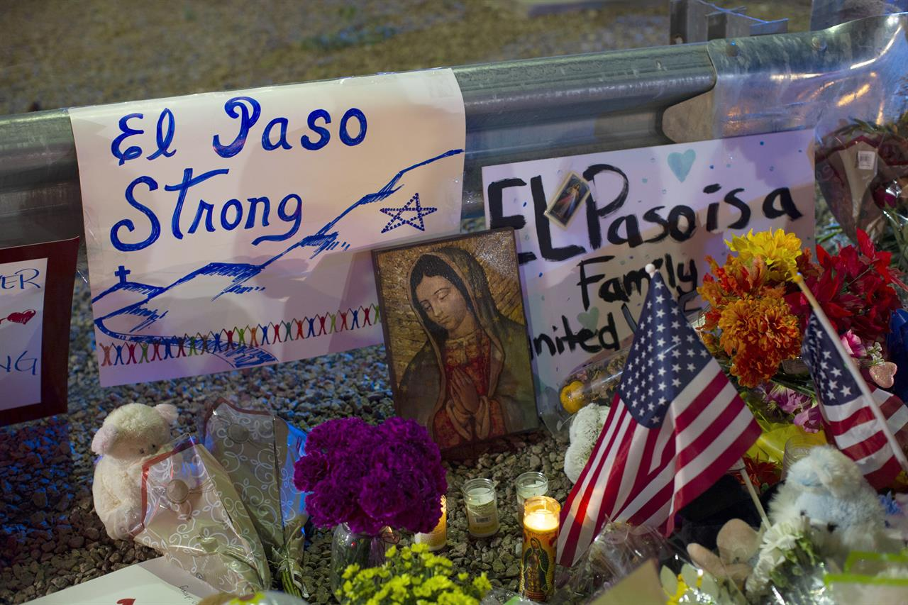 Spouse of Texas mass shooting victim welcomes all to funeral