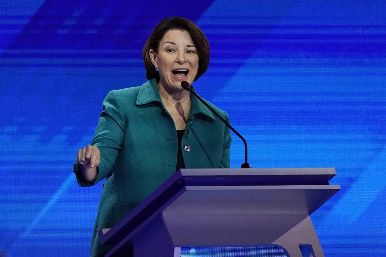 Classic campaign event draws Democrats to South Carolina