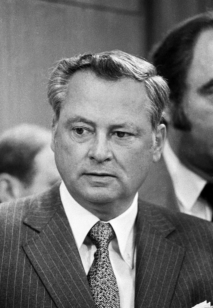 Barron Hilton, hotel magnate and AFL founder, dies at 91