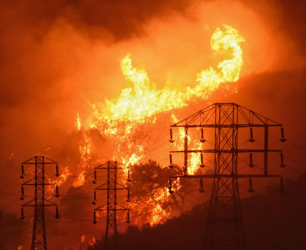 PG&E says it could cut power in 30 counties to prevent fires