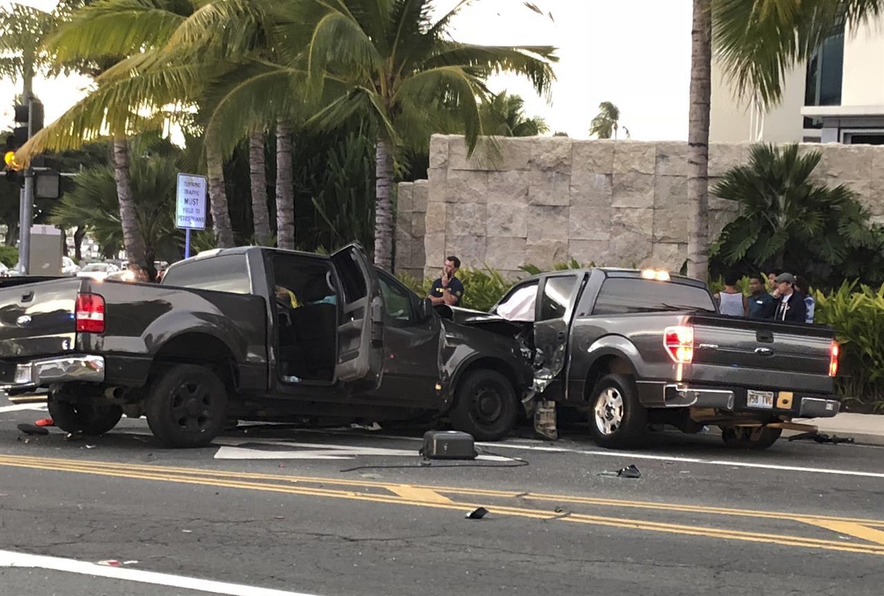 Truck kills 2 walkers, 1 bicyclist in Honolulu intersection   AM