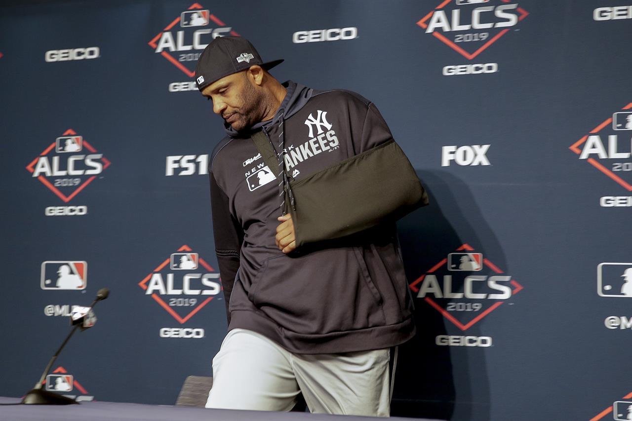 Sabathia has dislocated shoulder, big league career over