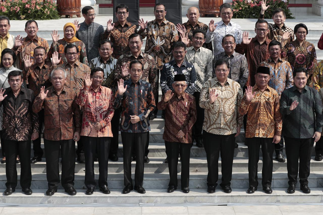 Indonesia president names election rival as defense minister