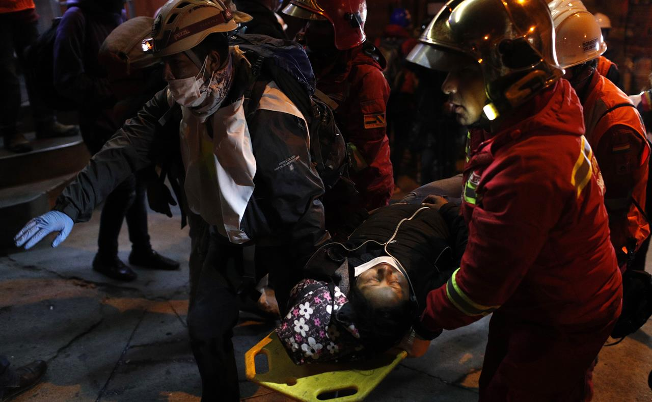 Dissent spreads in Bolivia's police amid political unrest