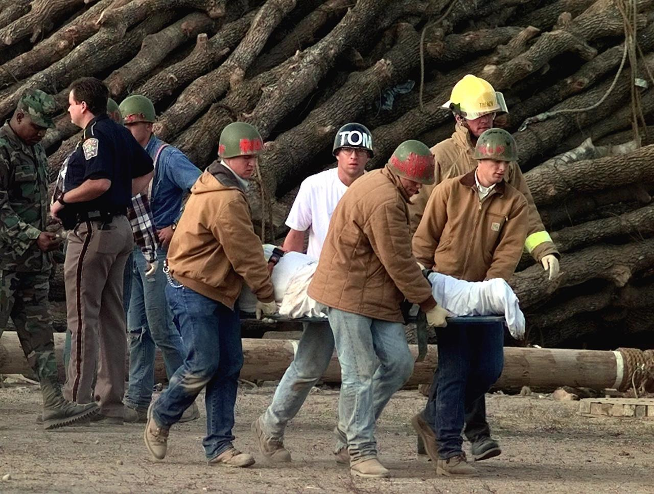 Texas A&M marks 20 years since bonfire collapse killed 12