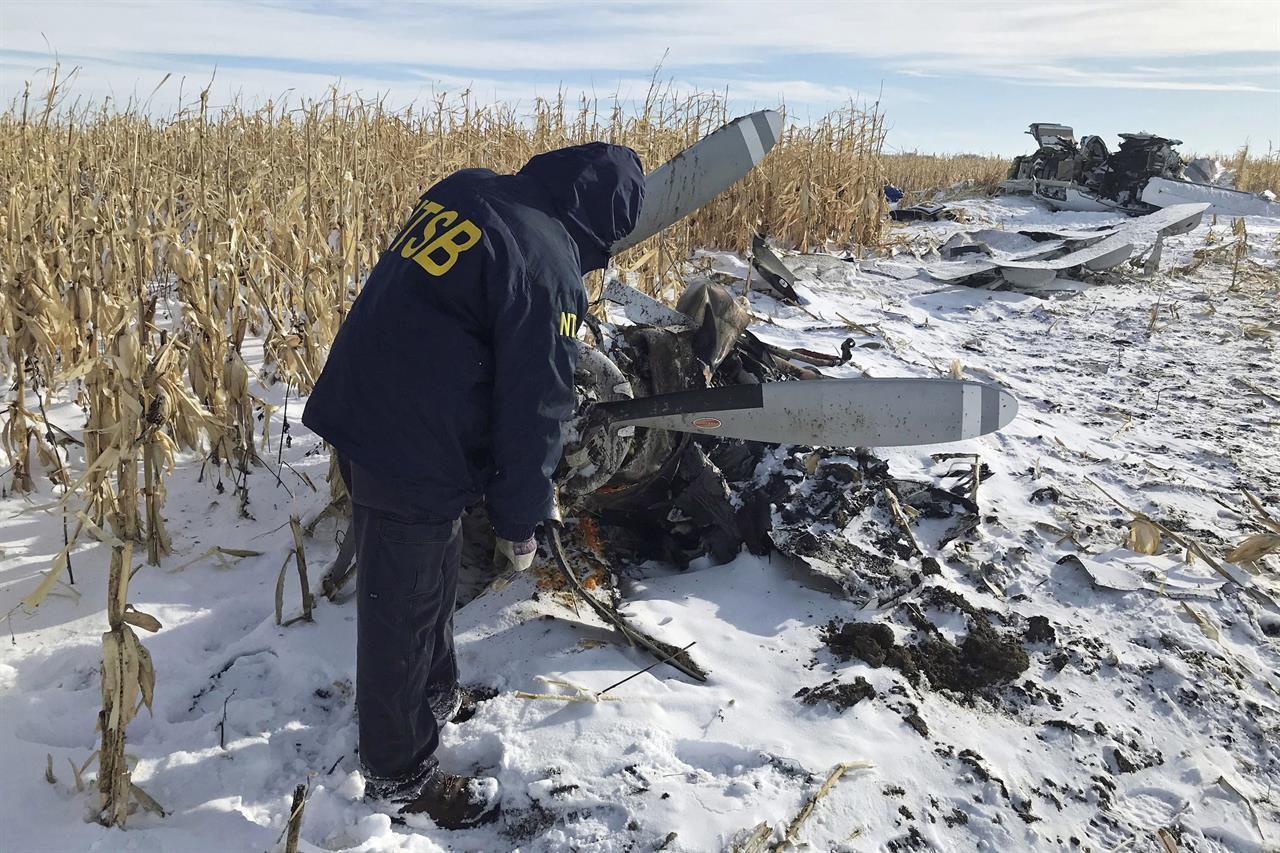 Idaho community mourns 9 relatives killed in plane crash