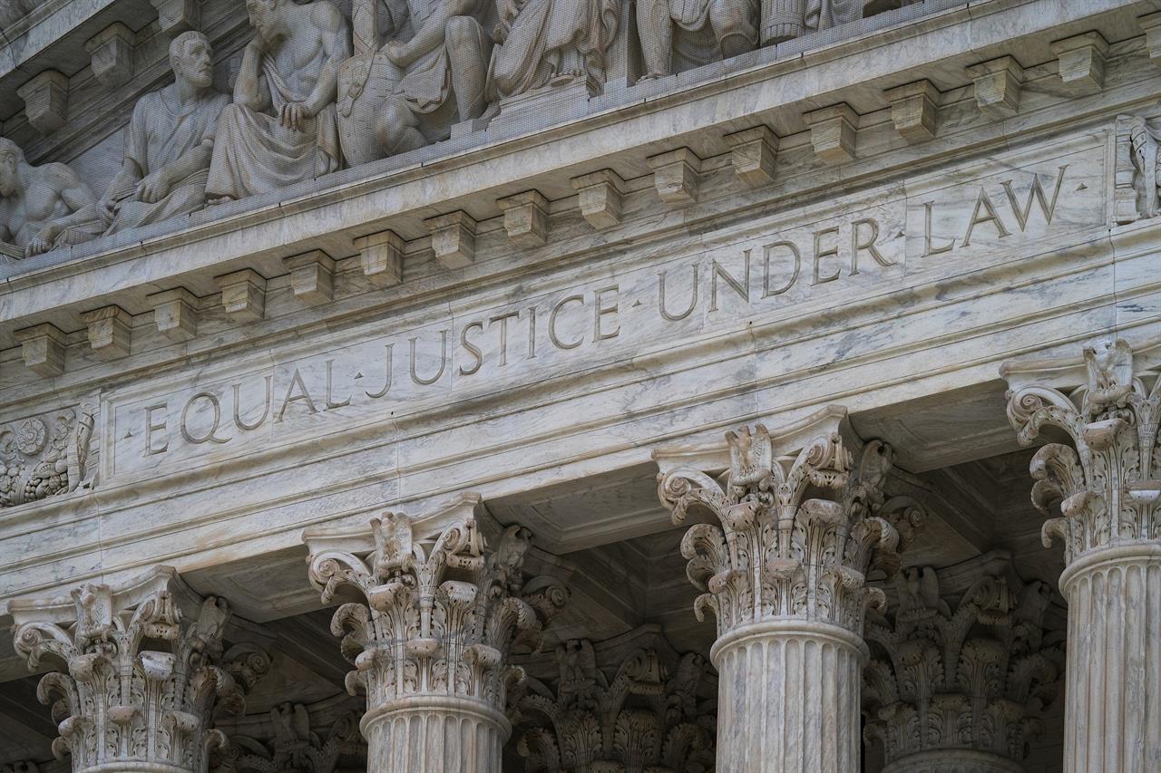 Report: Racial divide shrinks in US criminal justice system