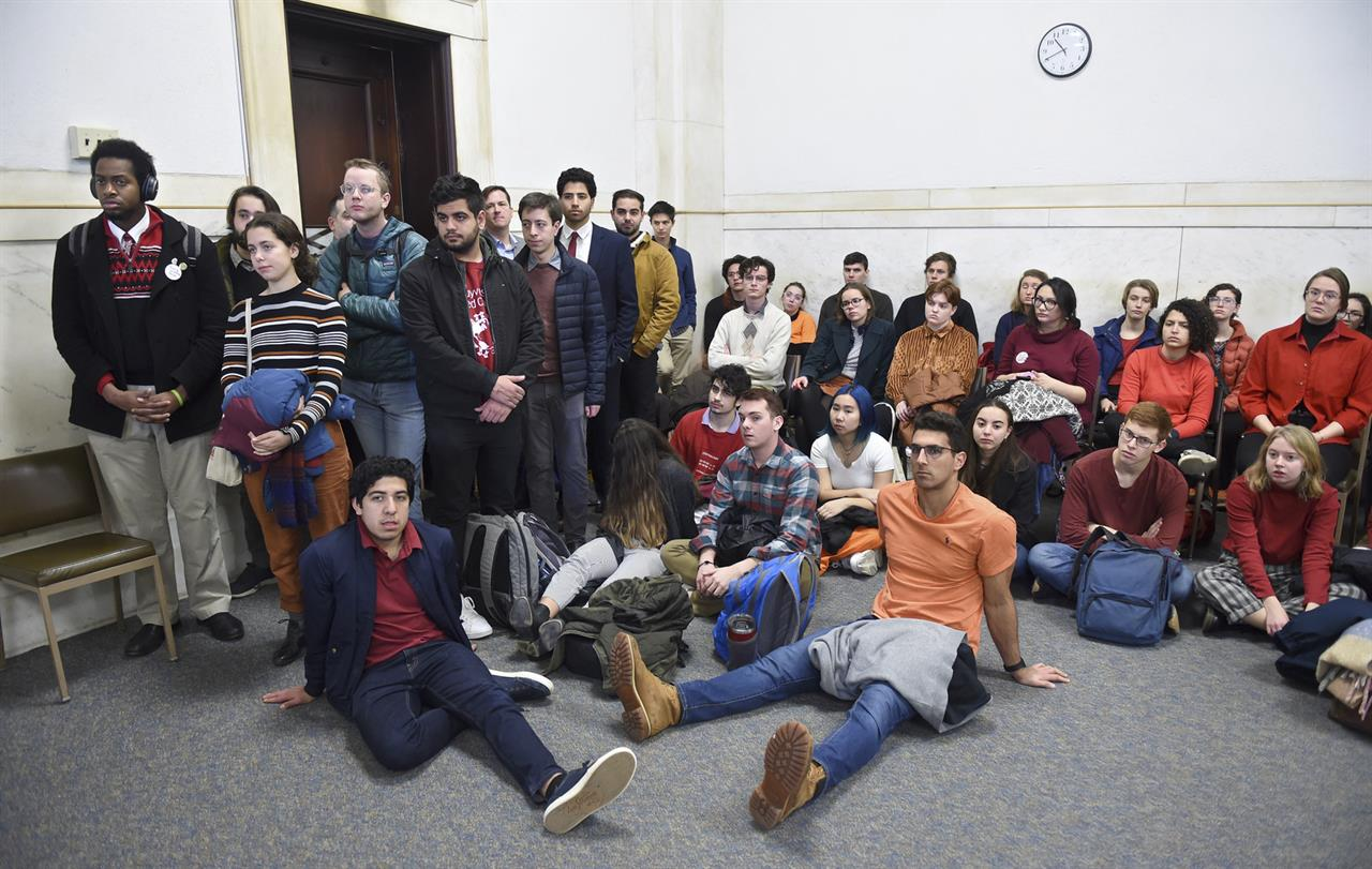 Ivy Leaguers get community service for disrupting game
