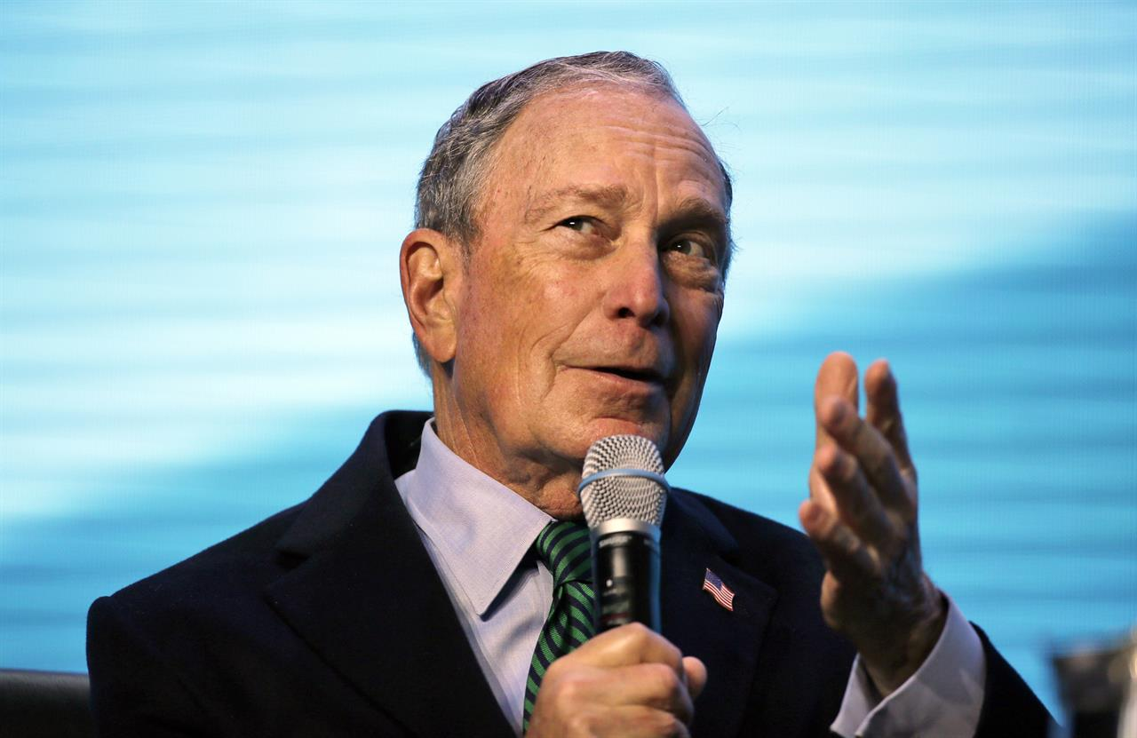 Bloomberg calls for 'war on poverty' on 1st California trip