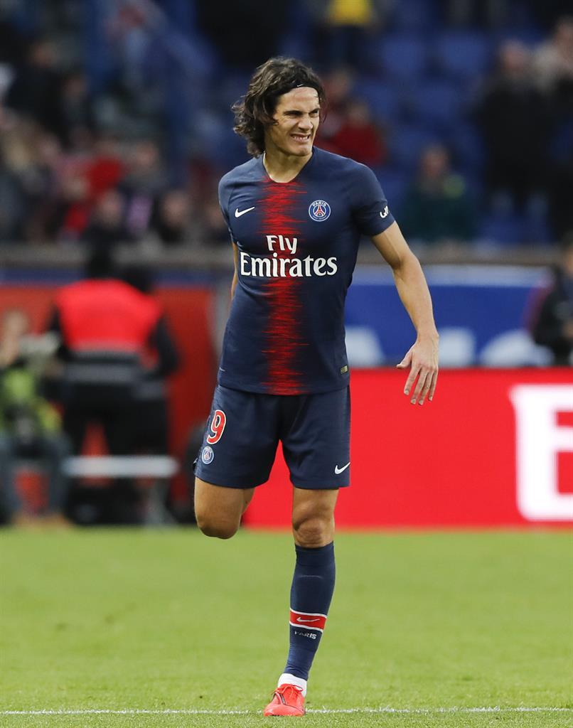 Psg Striker Edinson Cavani Limps Off Injured In Home Win Am 970 The Answer New York Ny