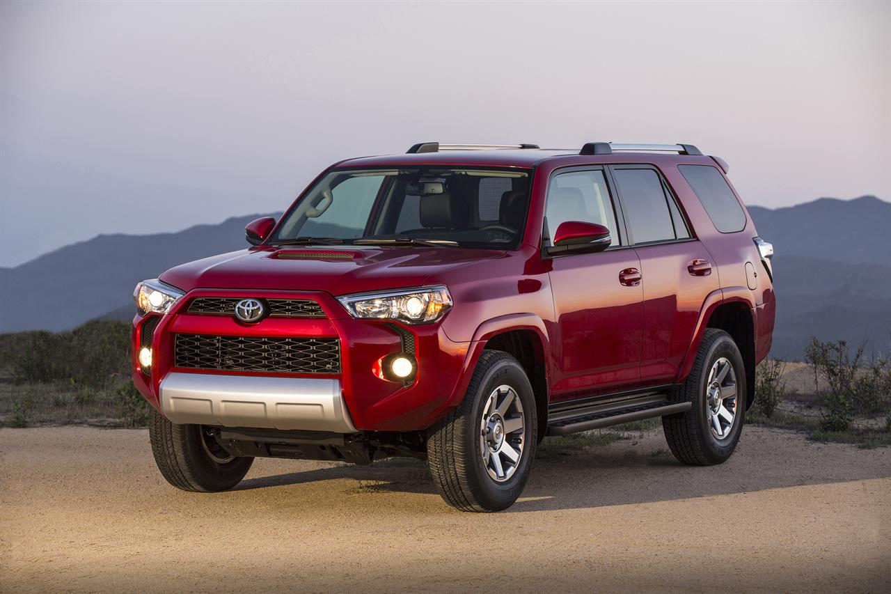 Edmunds Compares Toyota 4runner And Subaru Forester Am 560 The