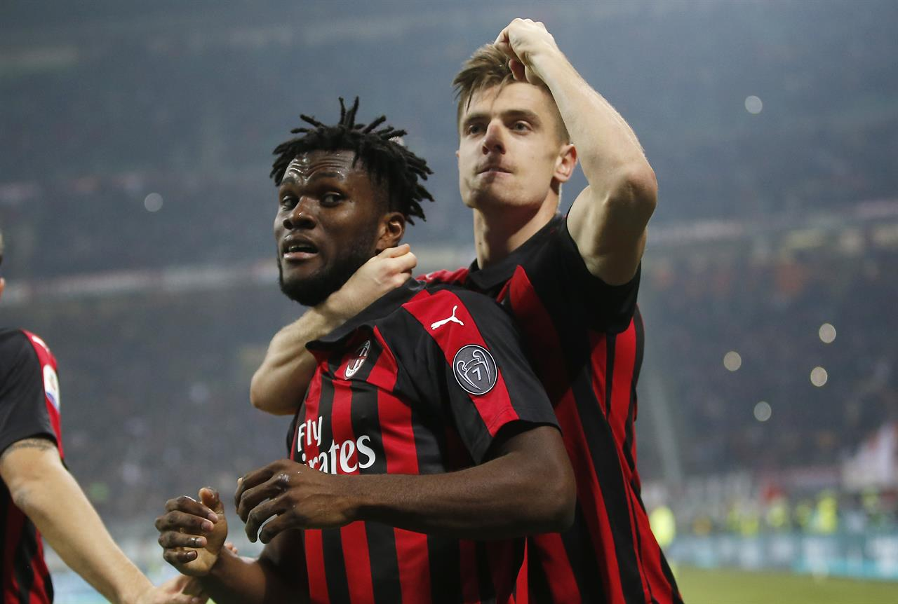 El Milán se impone al Empoli (3-0) y amenaza la tercera plaza del Inter