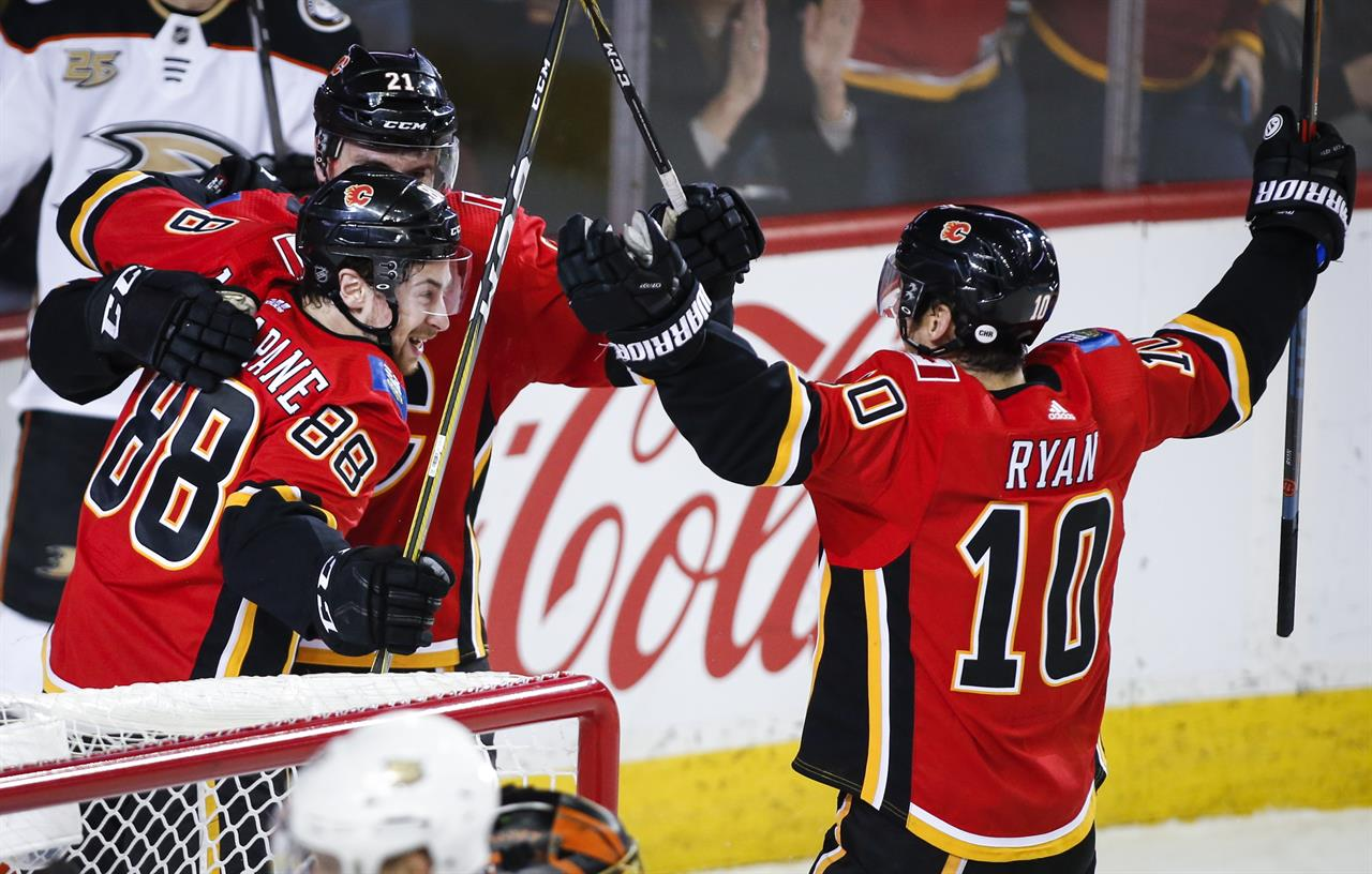 Mangiapane Scores Late Winner To Lift Flames Over Ducks 2 1 Am 560