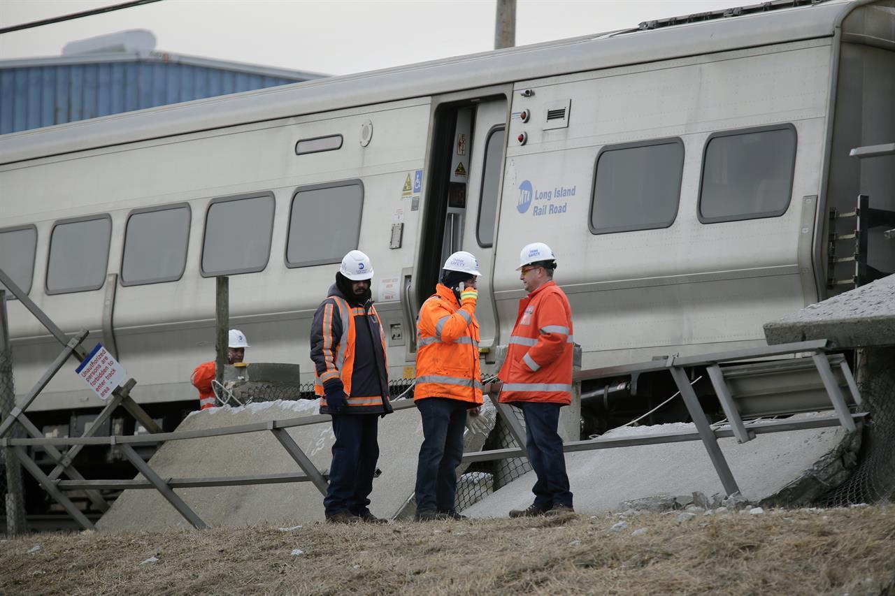Witness: Driver in train-car crash was fleeing earlier crash | AM 1190