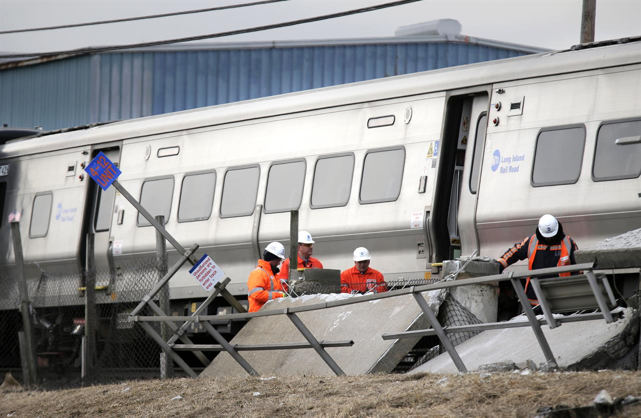 Witness: Driver in train-car crash was fleeing earlier crash | AM