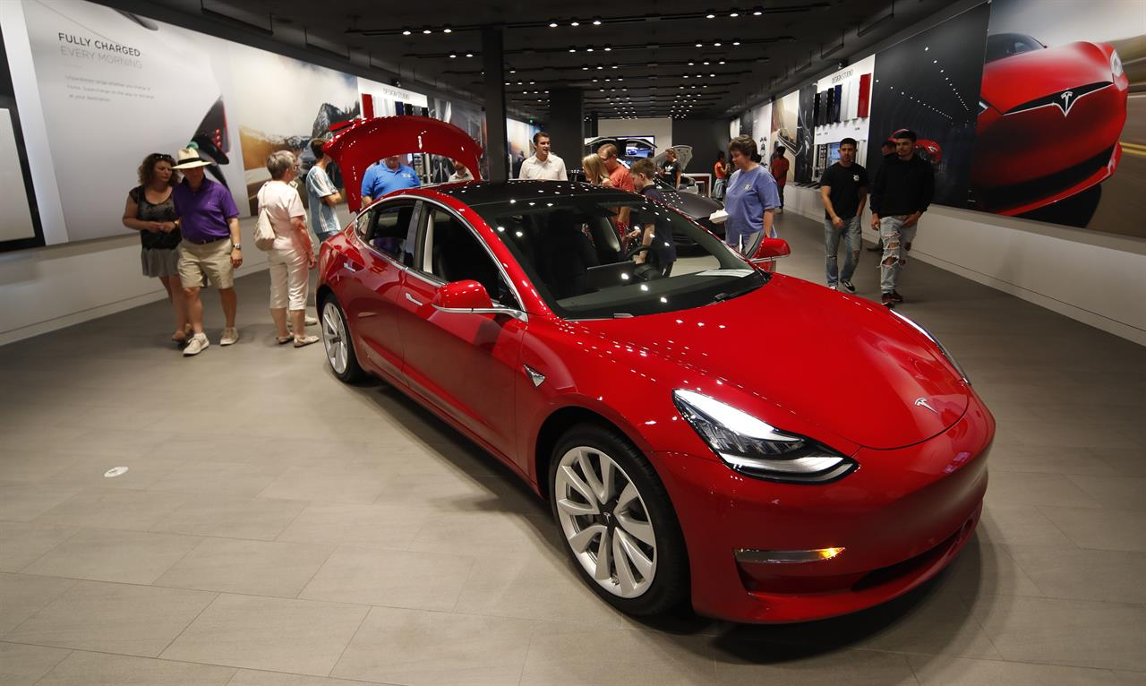 Tesla S Online Only Sales Approach Comes With Big Risks The Answer