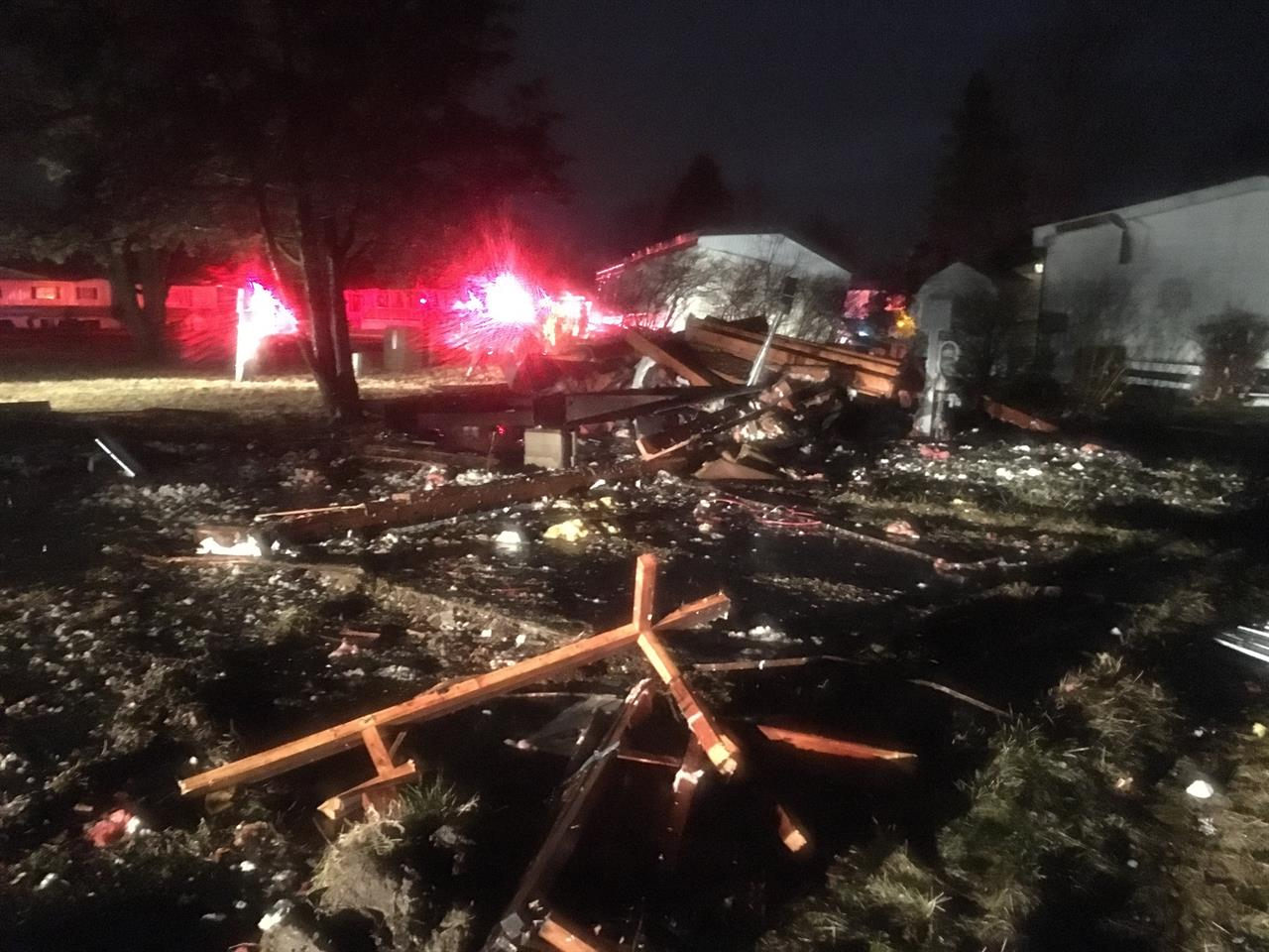 Tornado damages homes, knocks out power in mid-Michigan