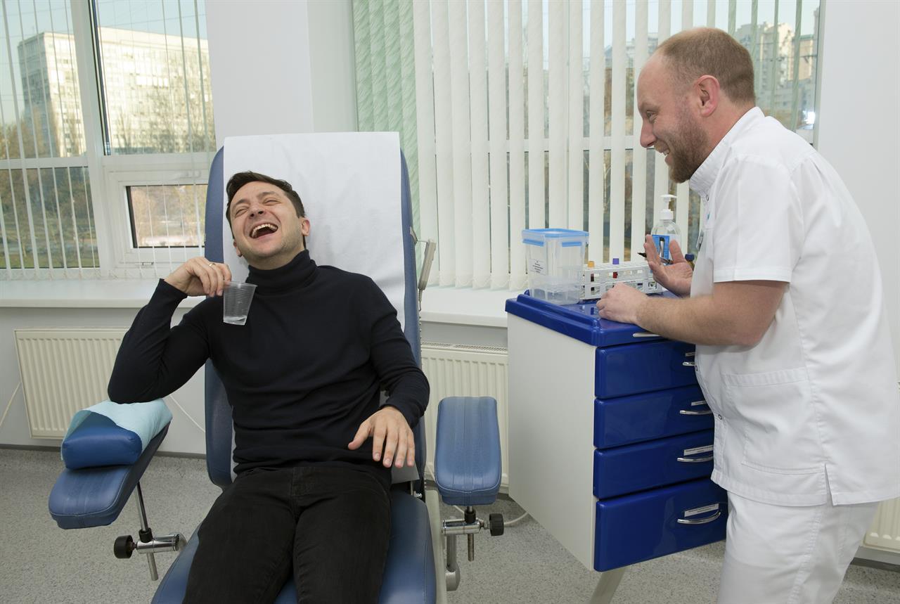Drug tests then debate in Ukraine's presidential runoff