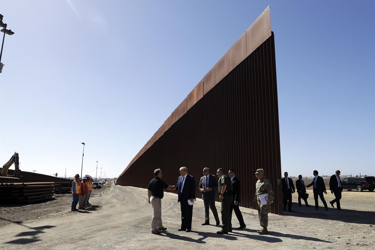 Trump admin weighs shifting billions more for border wall