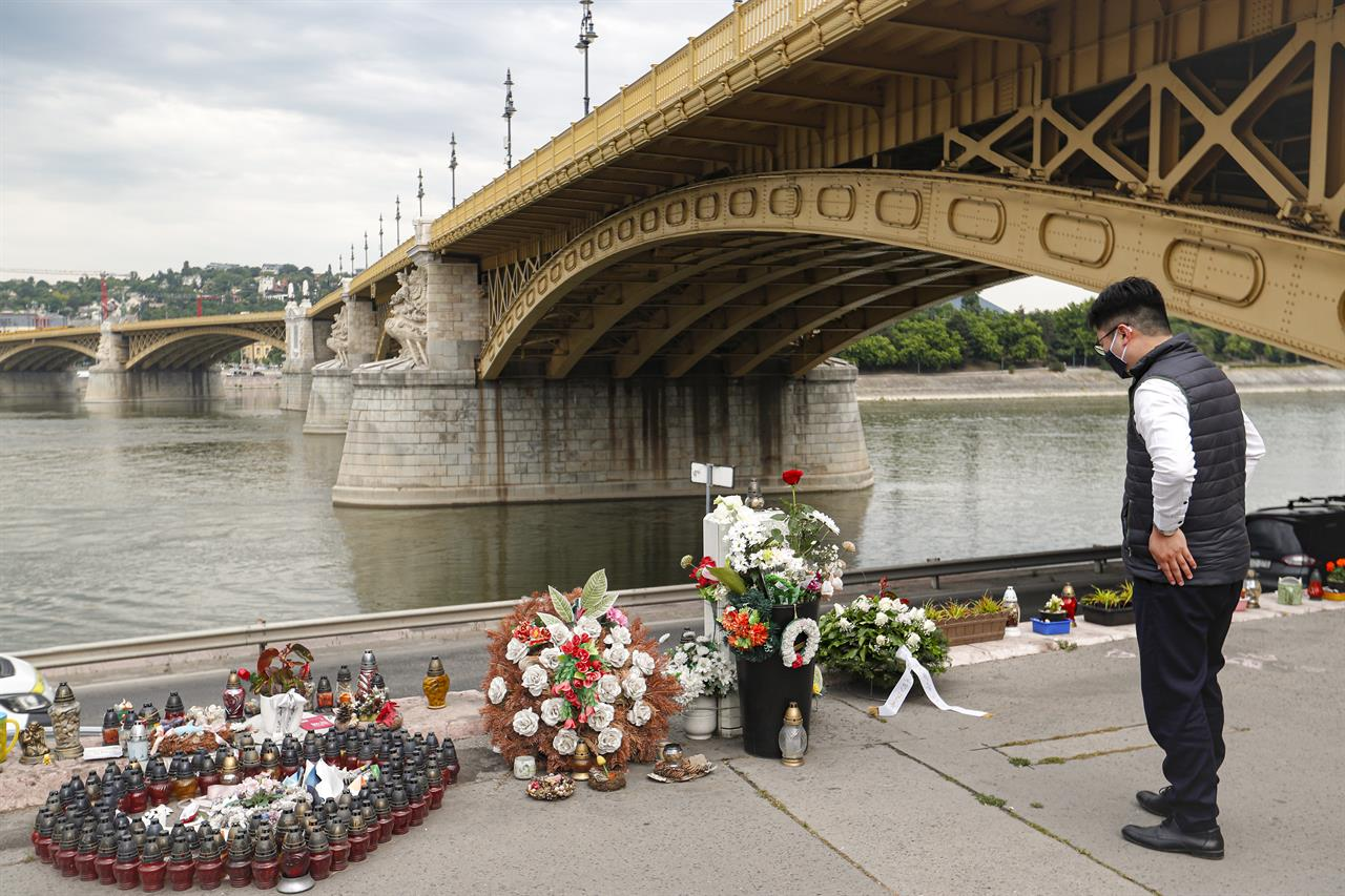 Hungary commemorates victims of 2019 Danube boat catastrophe